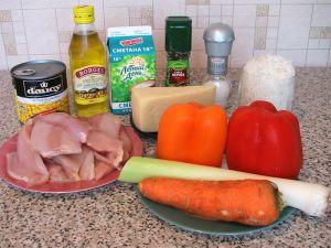 Запеканка с рисом, куриным филе, кукурузой и овощами. Ингредиенты